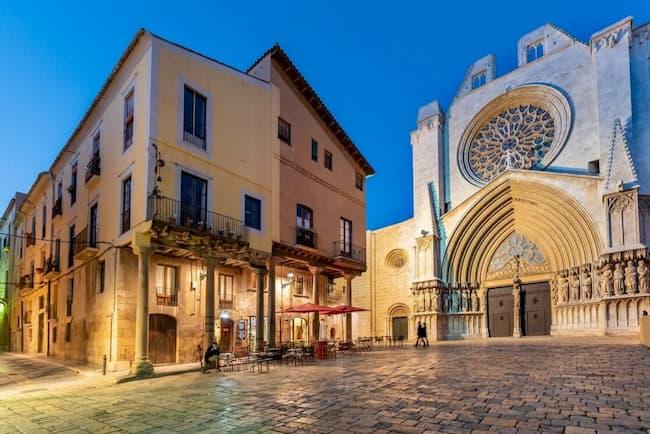 catedral-tarragona-visita-donde-dormir-tarragona